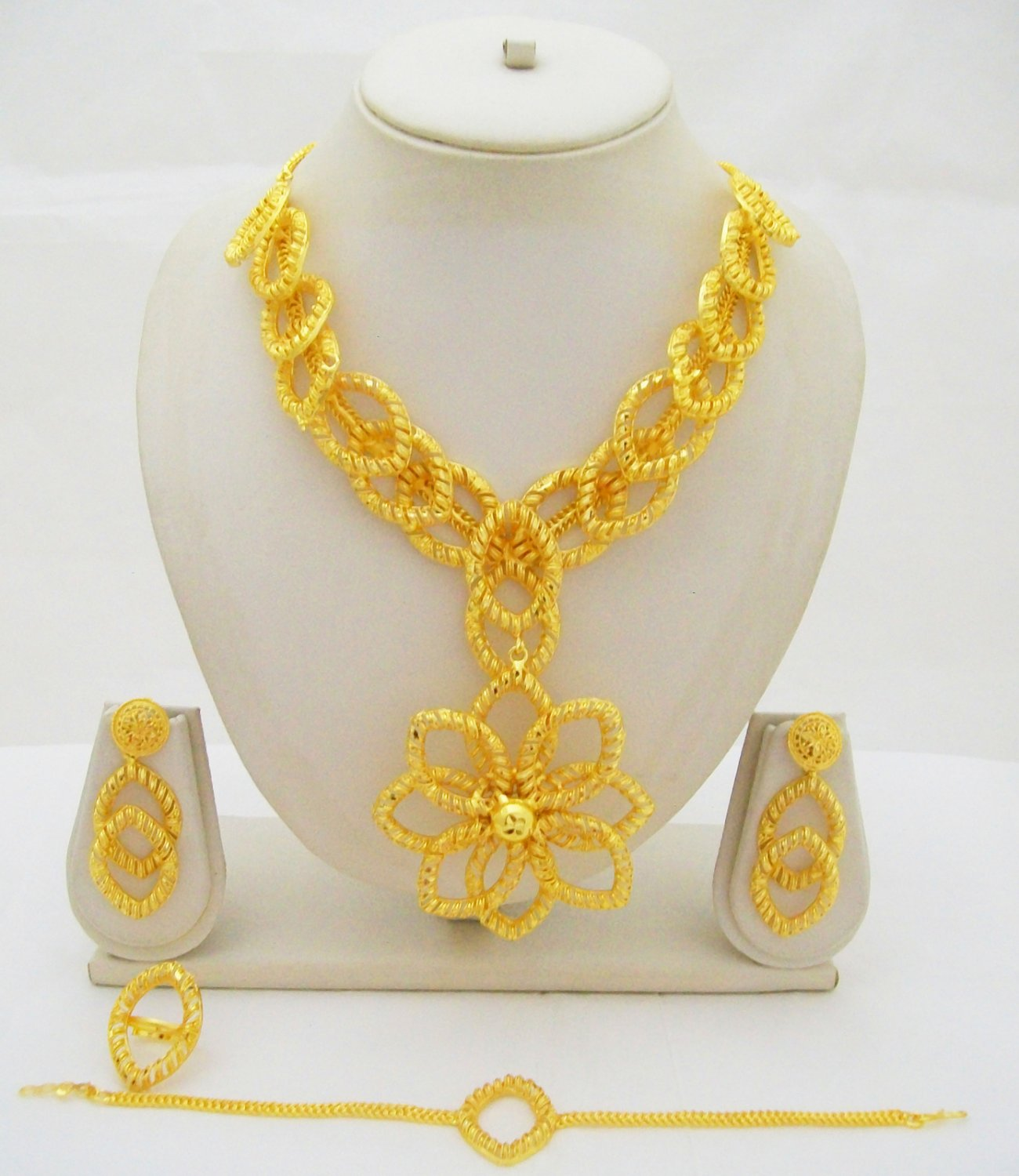 Flower Filigree Gold Plated Necklace Petal Pattern Indian Costume Jewelry Set