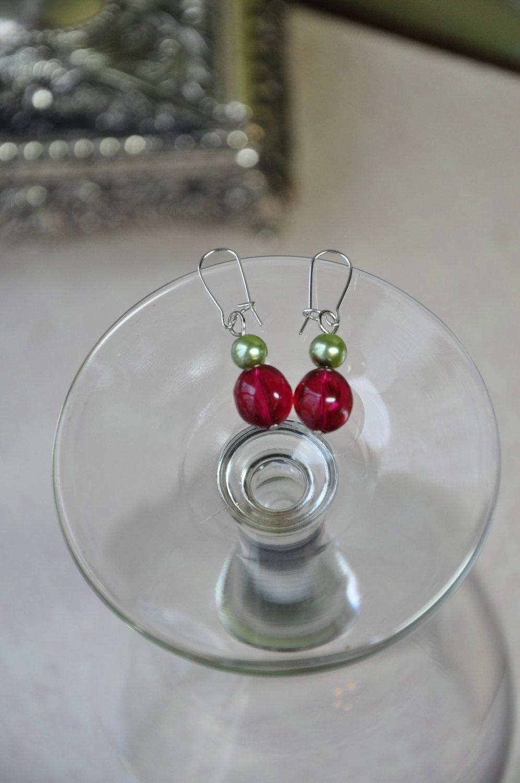 Red Bead w Green Pearl Drop Earrings