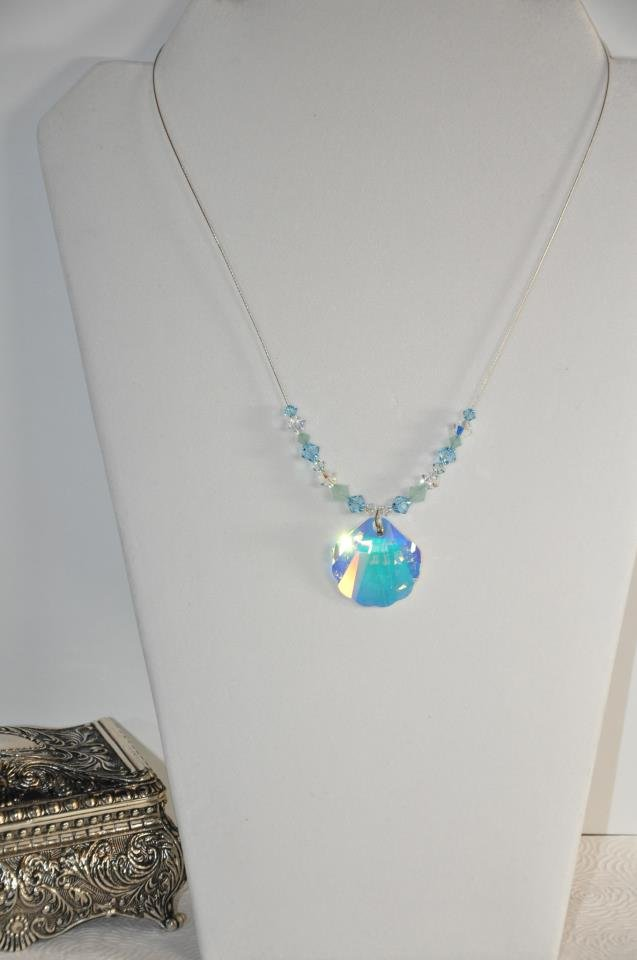 Seashell Swarovski Crystal Bead Pendant Necklace