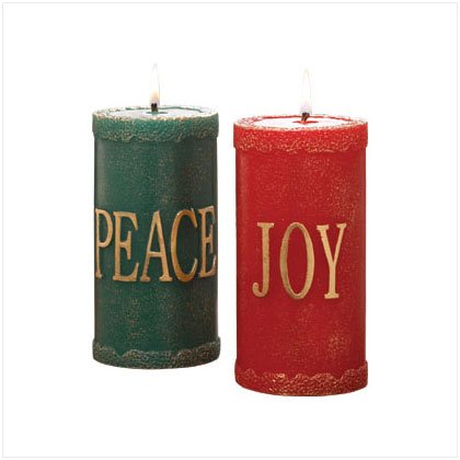 Discount Christmas Shopping: Festive Pillar Candle Set / Set of 2