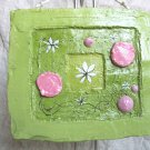 Floral, green-pink relief