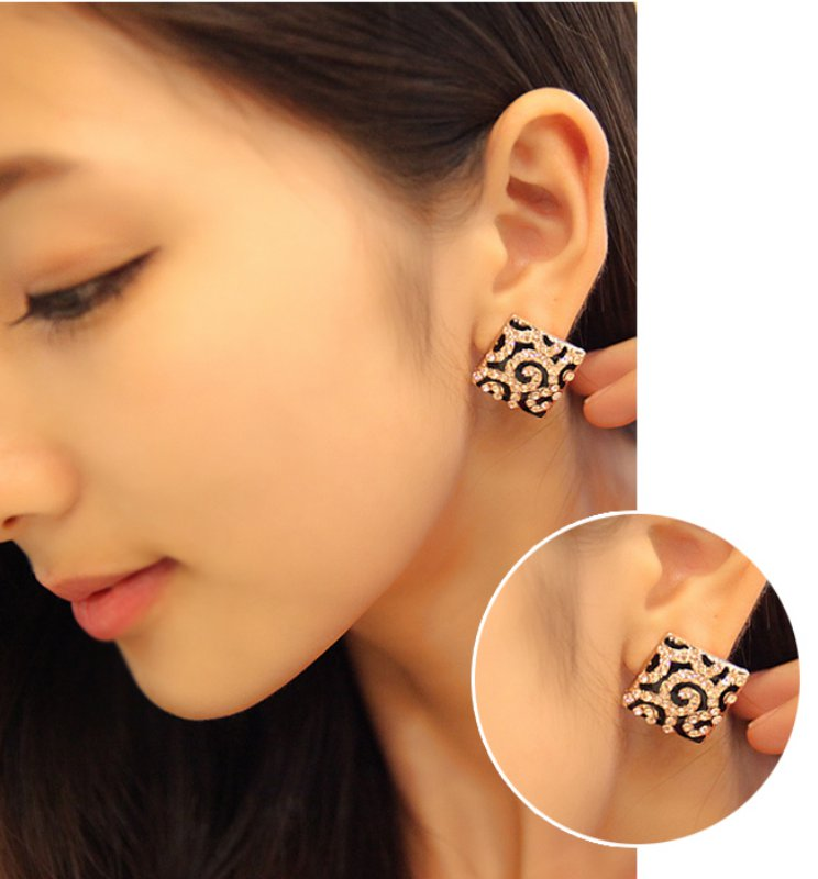 Korean version of the square with diamond earrings shiny leopard