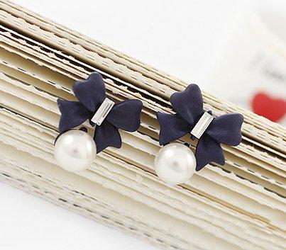Korean OL retro pearl bow full of diamond stud earrings
