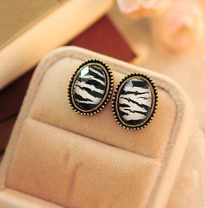 Phnom Penh retro round crystal gemstone earrings Zebra