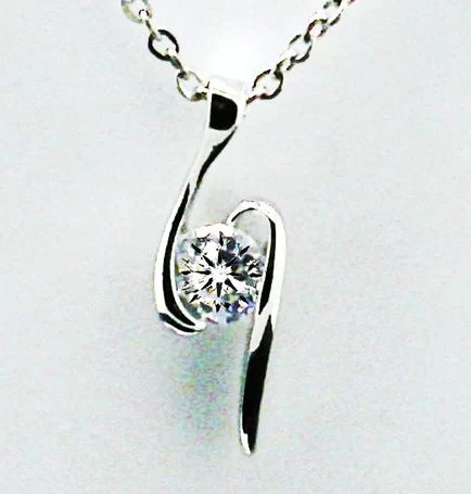 Zircon Hearts and Arrows diamond pendant crystal rhodium Switzerland