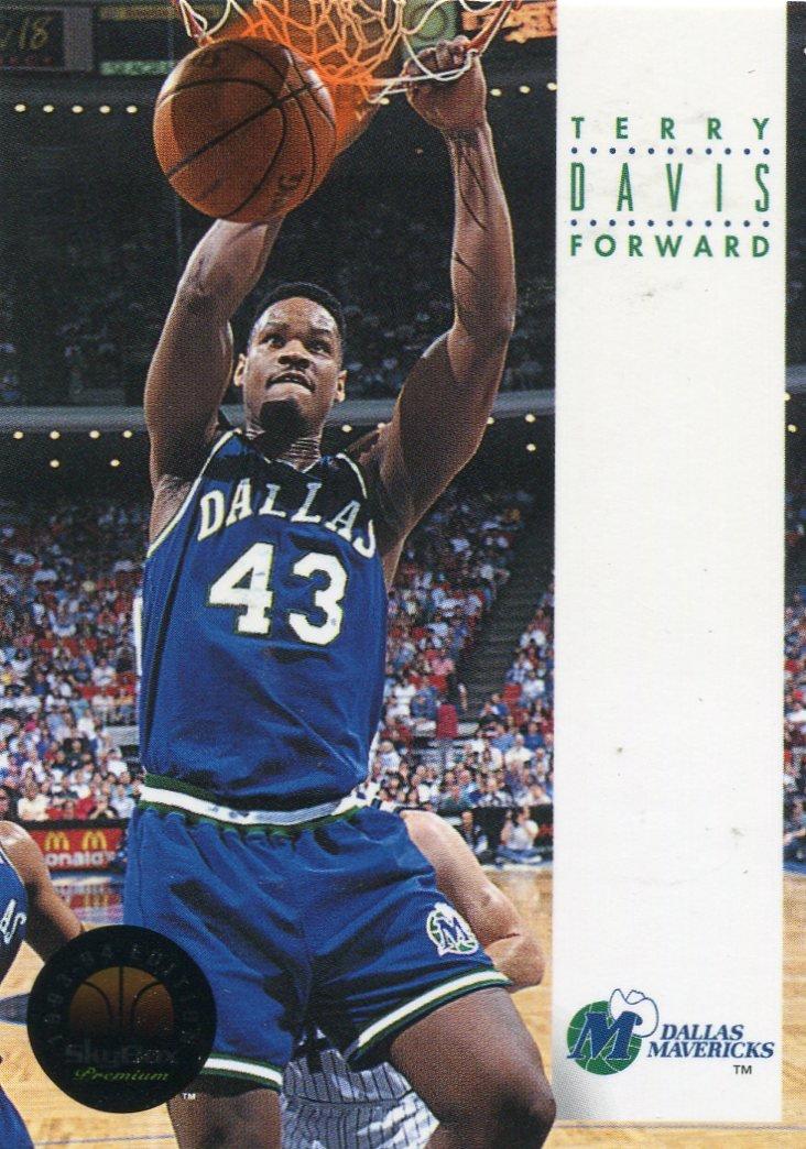 1993 Skybox Basketball Card #55 Terry Davis