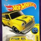 2016 Hot Wheels #175 67 Austin Mini Van YELLOW