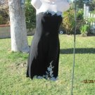 ADRIANNA PAPELL EVENING Size 10 Black Dress with Applique Details  BEAUTIFUL