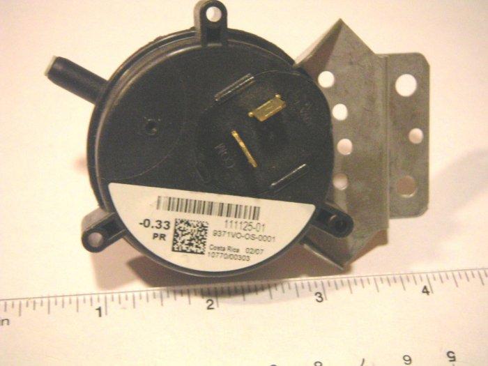 Pressure-Vacuum Switch Goodman, Amana, Janitrol 111125-01