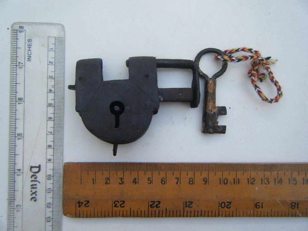 Original Old Iron Lock Antique Handmade Heavy Pad Lock Rare India Working #1505