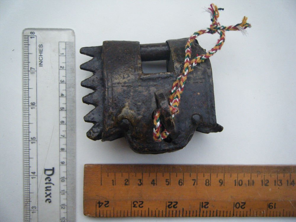 Original Old Iron Lock Antique Handmade Heavy Pad Lock Rare India Working #1525