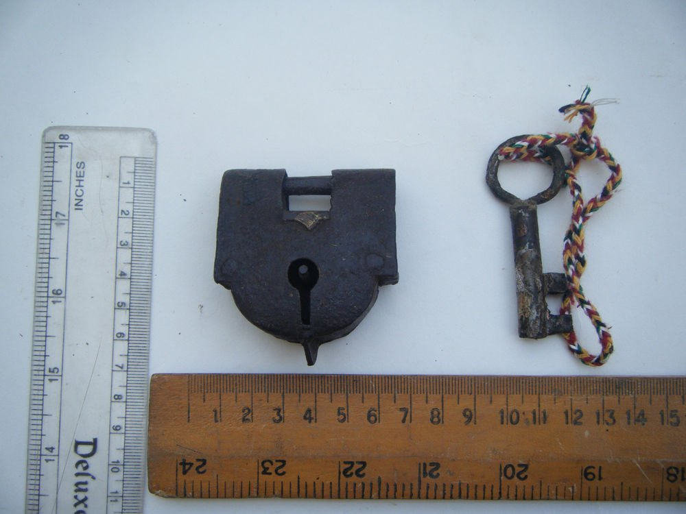 Original Old Iron Lock Antique Handmade Heavy Pad Lock Rare India Working #1501