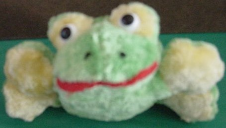 "Sun Style Imports Green Croaking Frog Stuffed Plush 5"""