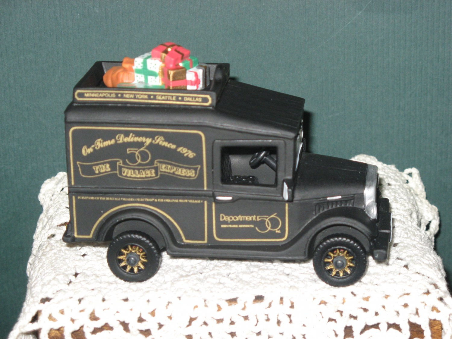 Village Express Van Handpainted Christmas Porcelain Accessory New