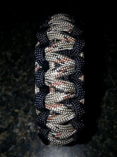 "Black and Dessert Camo 550 paracord bracelet with 5/8"" countoured buckle"