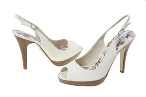 "Delicious Ivory Patent Sling Back Dress Heels ""6.5"""