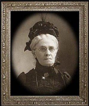"""Haunted Memories """"Granny Gertrude"""" 5X7 Changing Portrait"""