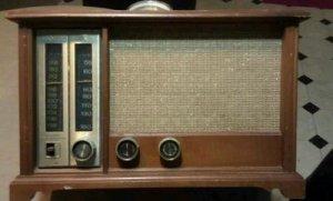 Working Zenith AM/FM Vintage Long Distance Radio