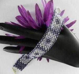 Handmade Beaded Lilac Windows Bracelet