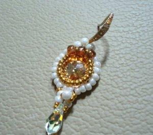 1 Pair Handmade Beaded Queeny Mini Earrings