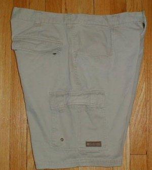 COLUMBIA SPORTSWEAR Khaki Cargo Shorts Mens Sz 38 --Make me an offer!!