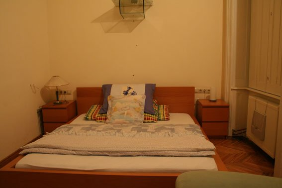 Apt - 01 / DOUBLE Room / LIVING / Booking for 1 Night /