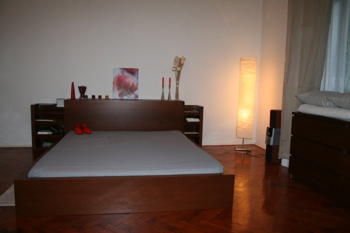 Apt - 02 / DOUBLE Room / LIVING / Booking for 1 Night /