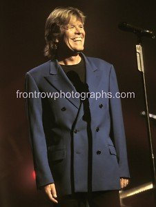 "Hermans Hermits Peter Noone 8""x10"" Color Concert Photo"