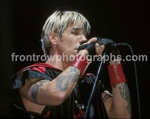 "Red Hot Chili Peppers Singer Anthony Kiedis 8""x10"" Color Concert Photo"