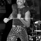 "Earth, Wind & Fire Singer Maurice White 8""x10"" BW Concert Photo"