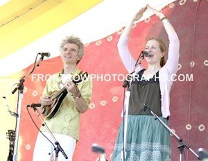 "Musician Dan Zanes & Elizabeth Mitchell 8""x10"" Photo"