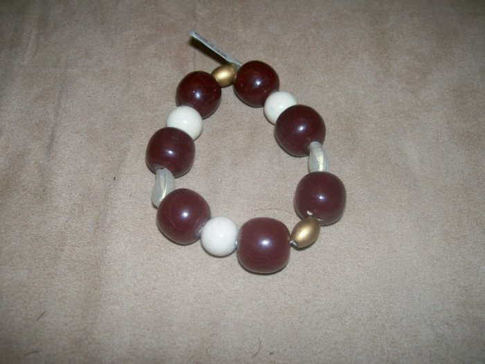 Dark red and white bead bracelet