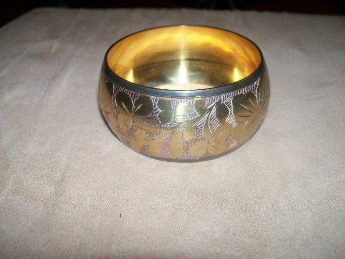 Gold Leaf patterned bracelet