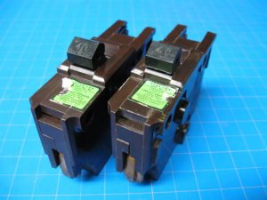 "Lot Of 2 FEDERAL PACIFIC FPE 40 Amp single pole 1"" wide Breaker Brown Plastic"