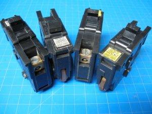 "Lot of 4 FEDERAL PACIFIC FPE 15 & 20 Amp 1 pole 1"" wide Breaker Black Plastic"