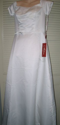 Designer Wedding Gown ~ Size 12 * Sale * Reg. $99.95