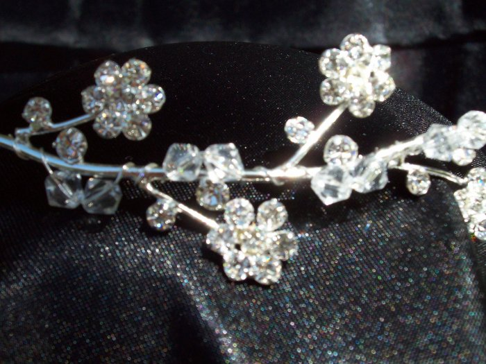 *Sale* Flower Crystal Bead Tiara