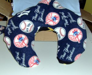 New York Yankees Comfort Pillow - Medium