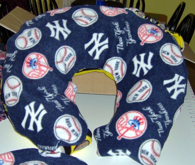 New York Yankees Comfort Pillow/Boppy - Large