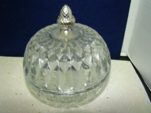DEPRESSION GLASSWARE BOWL WITH LID
