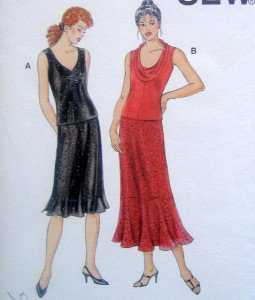 3032 Kwik Ladies Skirts & Tops Pattern - size XS-XL UNCUT