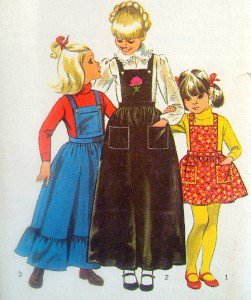 Free Pattern-Girl's Apron   Flickr - Photo Sharing!