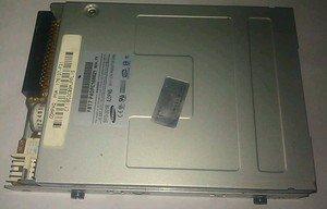 Floppy drive 16C3C09MJPPL1S FBT7P4DPC168821 PN#176137-F31 Desktop Drive