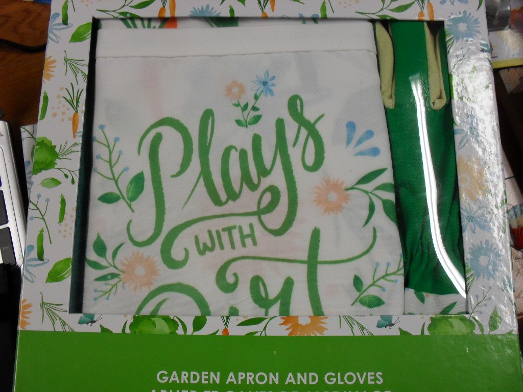 Recollections Plays with Dirt Garden Apron & Gloves Gift Set