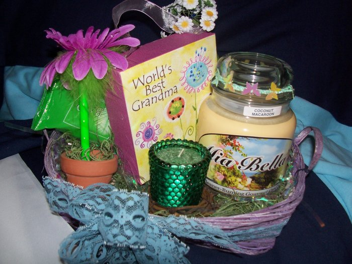 World's Best Grandma Basket - GSbgb
