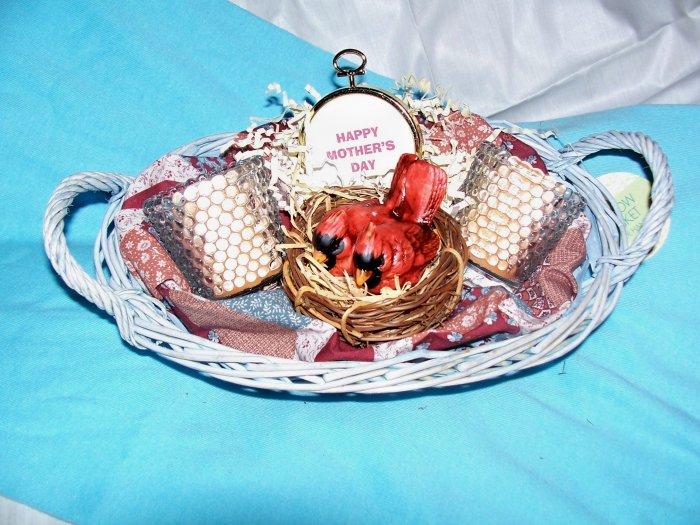 Cardinals Nesting Gift Basket - GScnb
