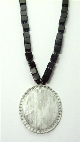 Cameo Inspired Black & White Necklace - UEci