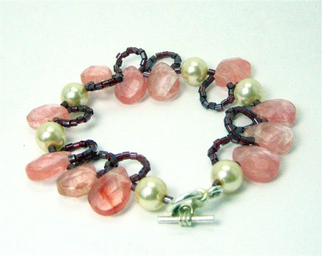 Pearls and Pink Bracelet - UEpp