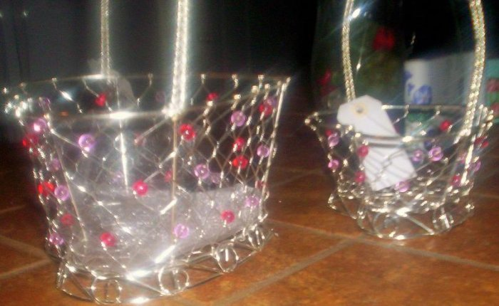 Wire & Beaded Heart Storage Baskets (2) - DDwb