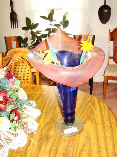 Hand-Blown Tulip Vase - MXtv